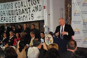 美伊州州长签署非法移民驾照法案