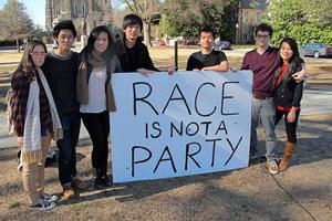 杜克亚裔学生游行抗议种族歧视