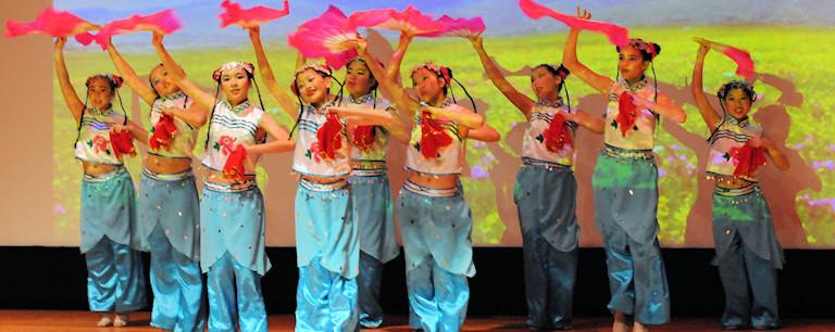 2014希林灯节演出精彩视频——少女舞蹈《兰花悄悄》