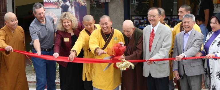 美国洛杉矶少林文化中心东区开幕 受当地多族裔民众追捧