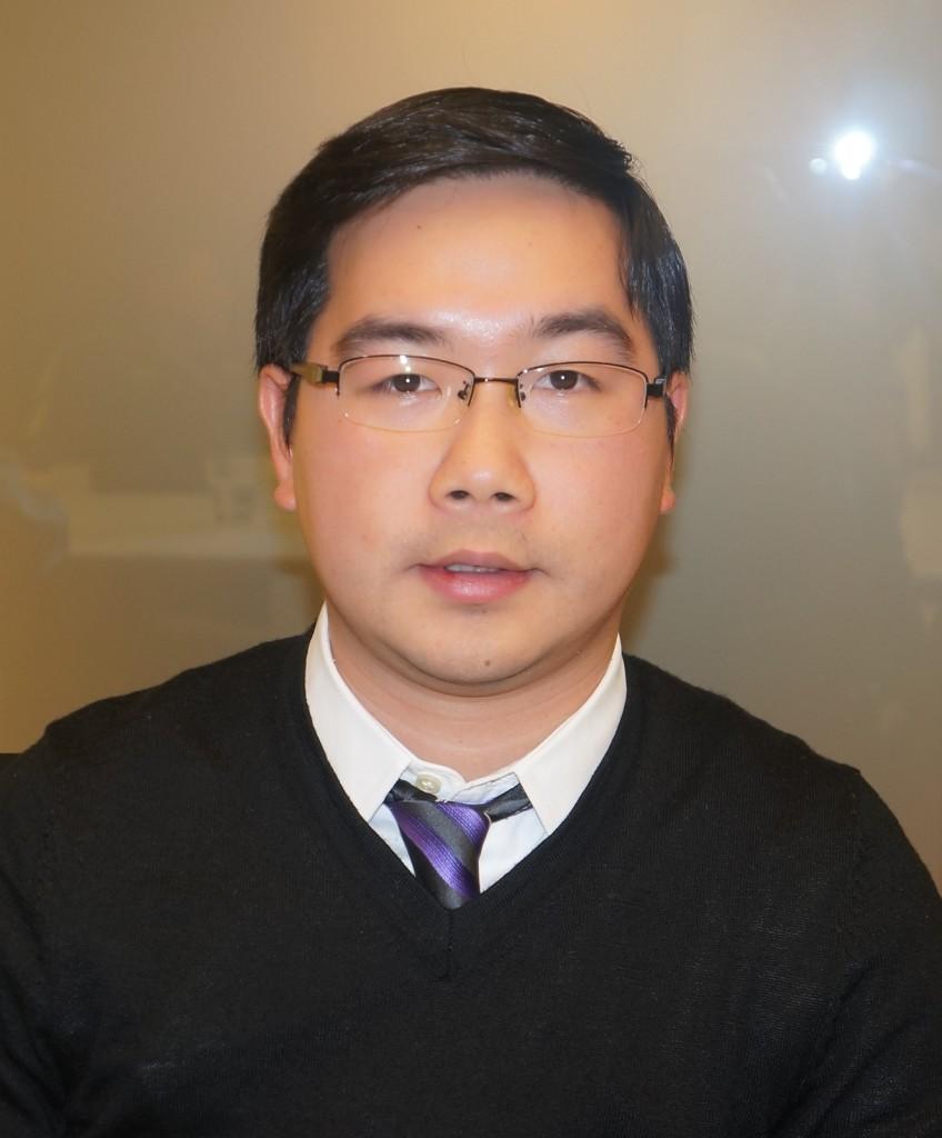 华裔青年专业人士李巍