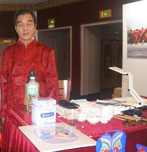 4 2015-2-1 欢度春节 魅力北京 (65) 于氏风筝制作大师 杜景耀 (1)