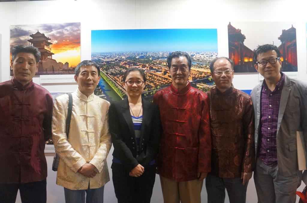 5 2015-2-1 欢度春节 魅力北京 四位北京民俗工艺大师合影 (1)