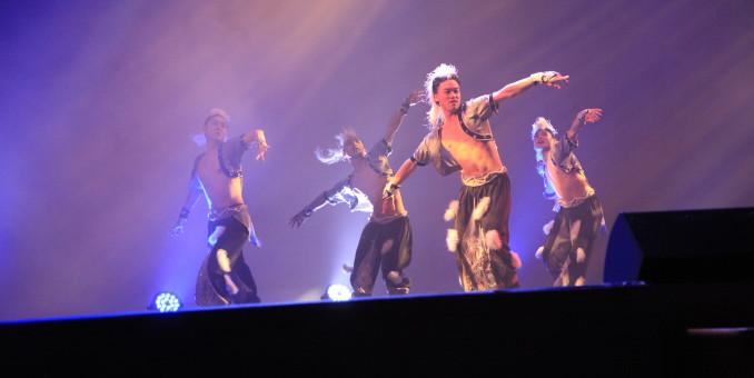 舞蹈巜狼图腾》