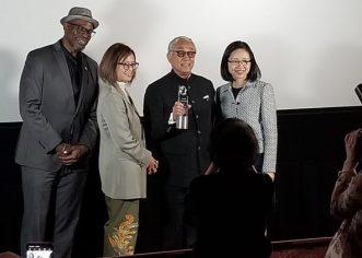 """香港资深演员曾江在亚洲电影节授予""""终身成就奖"""""""