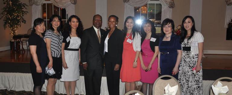 大芝加哥华人妇女商会隆重举办十周年庆典