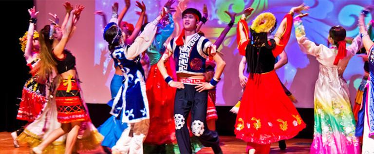 2014希林灯节演出精彩视频 —— 男女群舞《幸福大家庭》