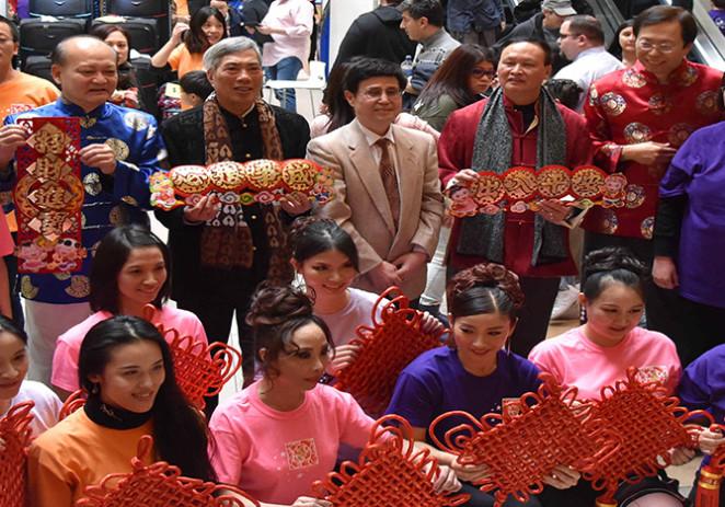 贺新春快闪集体拜年及华星中国艺术节